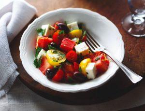 Tomaten-Melonensalat mit Ahorndressing