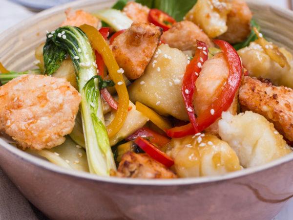 Ahorn-Fisch-Gemüse Wok