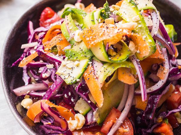 Roter Krautsalat mit Ahorndressing