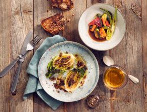 Gegrillte Salatherzen mit Grill Vinaigrette
