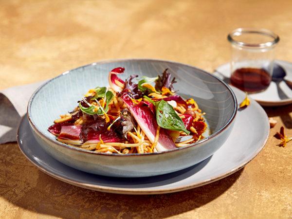 Sellerie-Salat mit Ahorndressing
