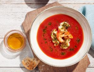 Ahorn-Tomaten-Gazpacho mit Garnelen